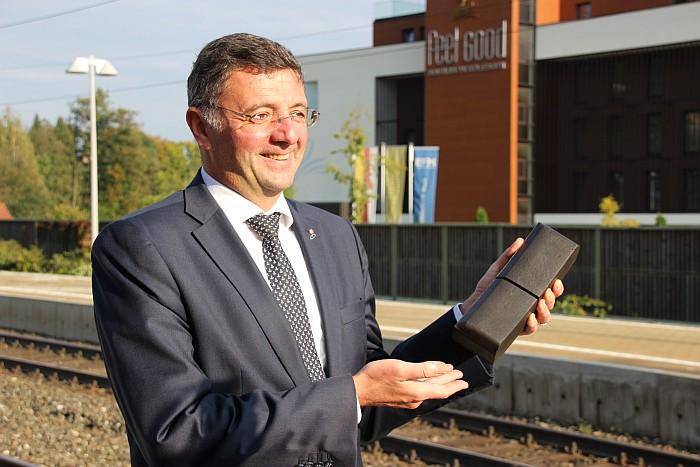 Verkehrsminister Jörg Leichtfried mit Flüsterbremse