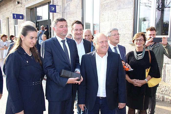 Gruppenbild mit Bürgermeisterinen von Pörtschach und Krumpendorf